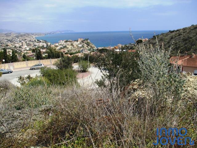 5123  Parcela urbana con vistas al mar