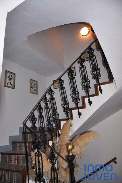 9 - Escalera interior