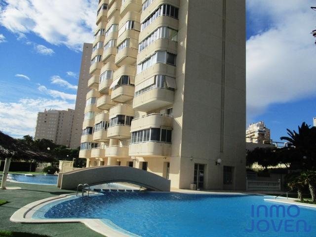 2165  Apartamento en «Urbanización Olas Blancas» 2º