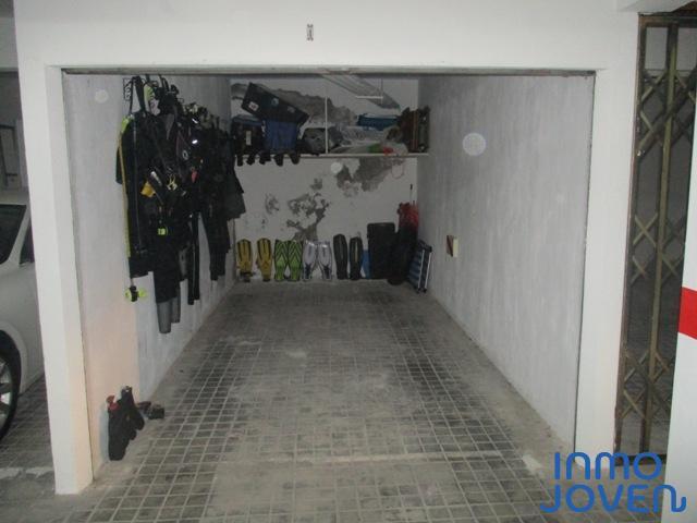 7108  Garaje cerrado en Edificio centromar