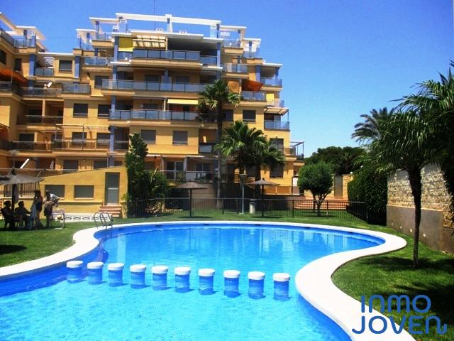 2147  Apartamento en Urbanización Atrio Bajo